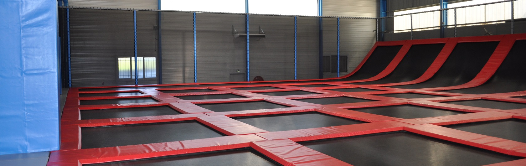 Tiger Jump-Trampoline Park-Contact